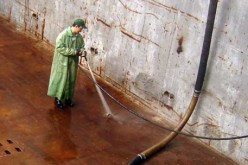 Гидроструйная зачистка резервуаров и трюмов группой компаний «НВК» (С.-Петербург)