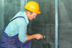 Защита металлических поверхностей резервуаров от коррозии способом гуммирования