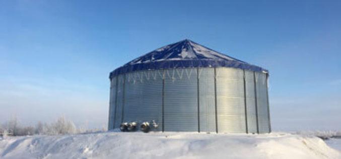 Установка легковозводимых гибридных резервуаров на Холмогорском месторождении