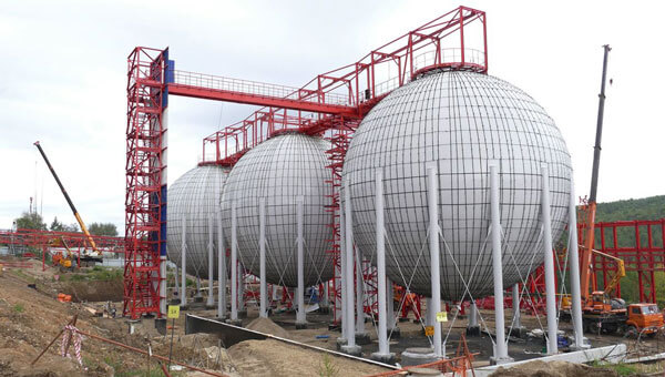 Монтаж новых шаровых резервуаров